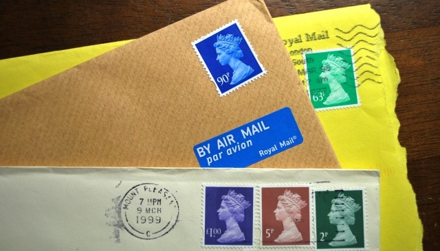 高く買い取られている切手のイメージ画像